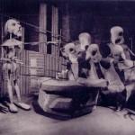"Foto: Figuren aus ""La Ramée"" (1957)"
